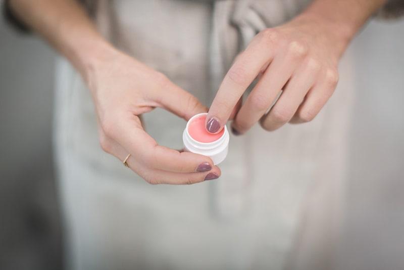 vaseline skincare uses