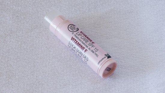 the body shop vitamin e lip care sp 15 01