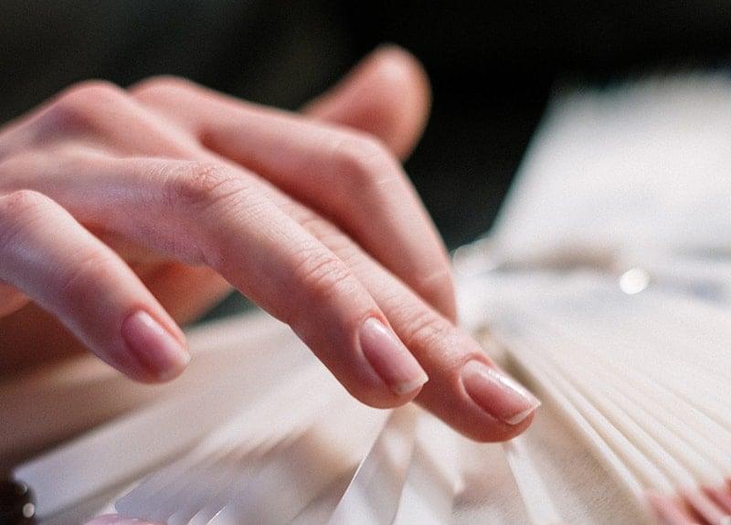 vertical nail ridges