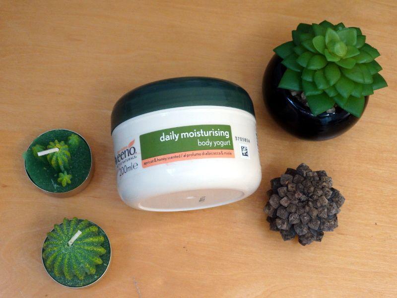 aveeno-daily-moisturising-body-yogurt