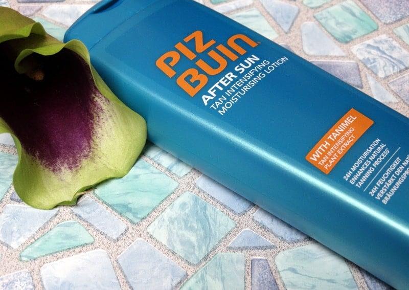 http://www.beautifulwithbrains.com/wp-content/uploads/2017/08/piz-buin-after-sun-tan-intensifying-moisturising-lotion.jpg